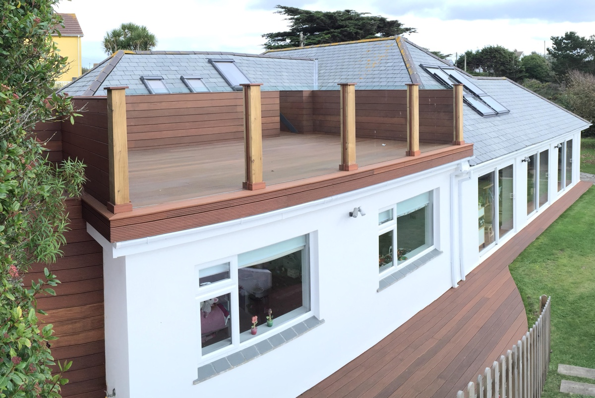 Charming Wooden Roof Terrace Cornwall